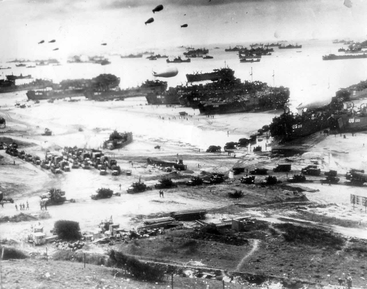 Beachhead LST ships Landing Craft D-Day 1944