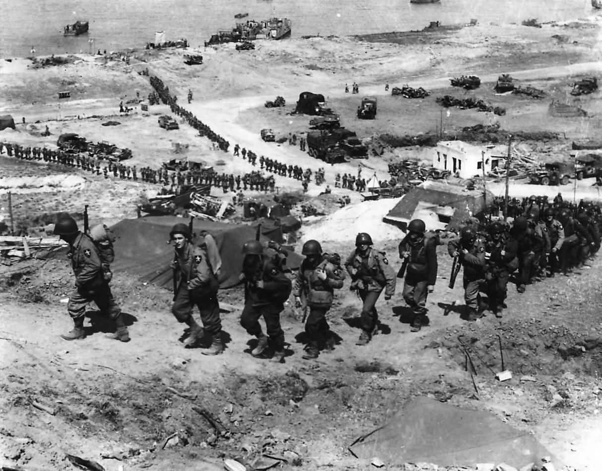 US 2nd Infantry Division Soldiers Easy Red Sector Omaha Beach D-Day +1 Normandy 1944