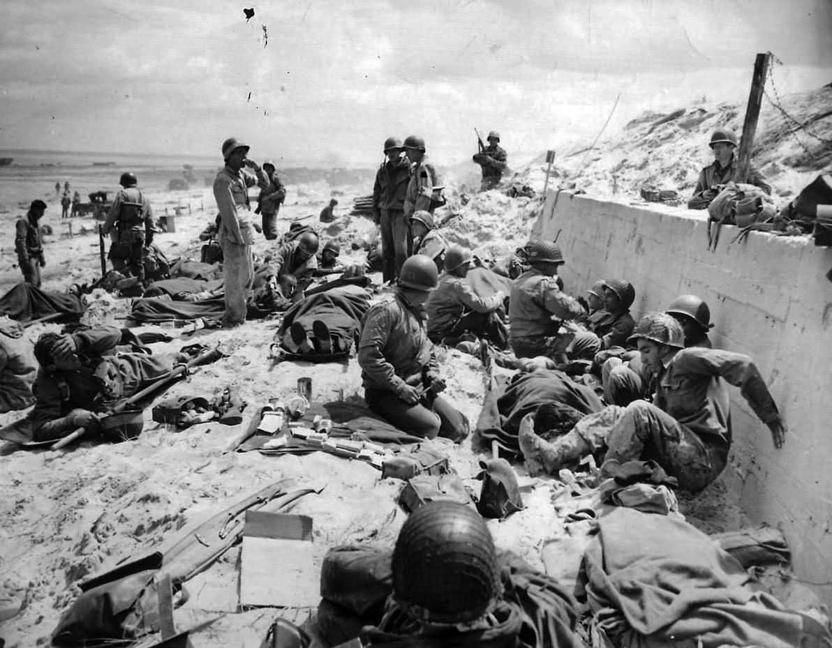 US Army 4th Infantry Division Troops on Utah Red Beach D-Day Normandy 1944