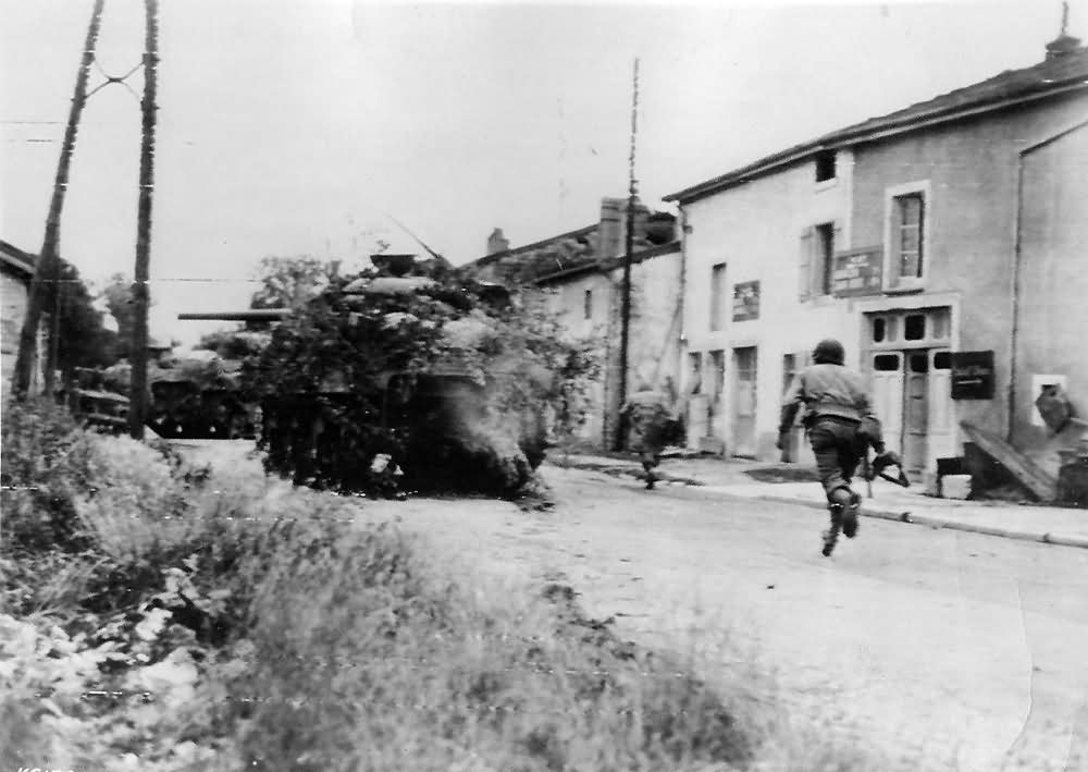 US Army Troops in action Rachecourt Normandy 1944
