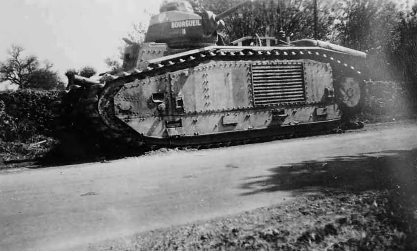 B1 bis tank #355 of the 28th BCC named BOURGUEIL 2
