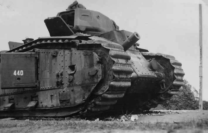 B1 bis tank number 440 of the 46th BCC named CHEF D'ESCADRON BOSSUT