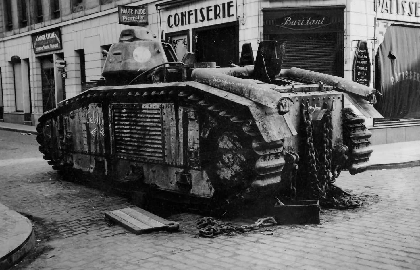 B1 bis 260 named Ouragan of the 8e BCC – Guise France 1940, rear