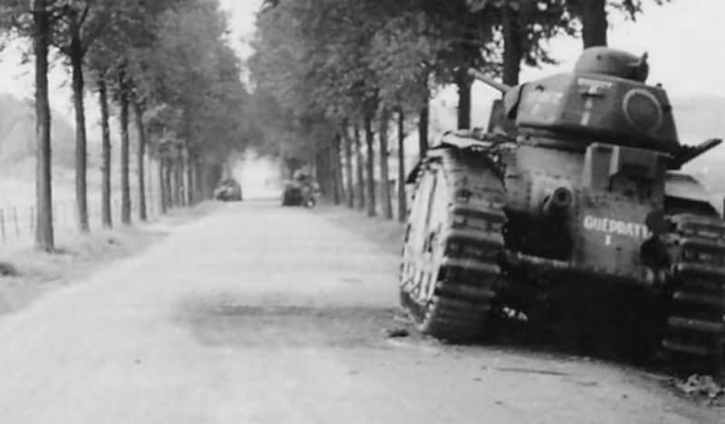 """B1 bis tank #438 """"T"""" of the 37th BCC named GUEPRATTE France 1940"""