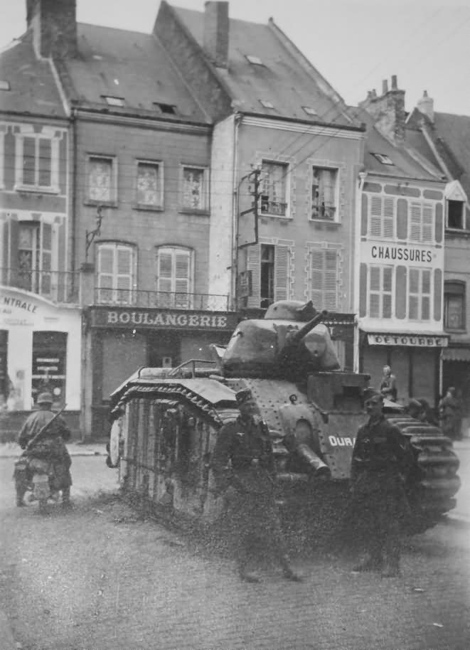 Char B1 bis number 260 named Ouragan of 8th BCC 2