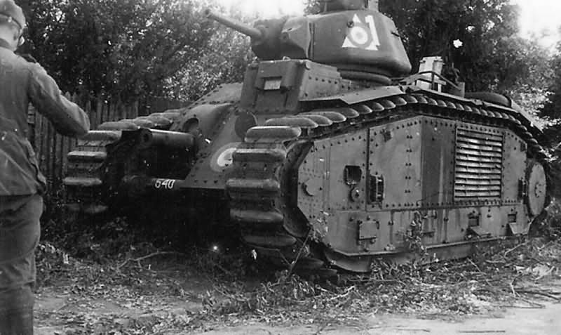 Renault Char B1 bis tank number 540, white 1 of the 352nd CACC – Meung-sur-Loire 1940