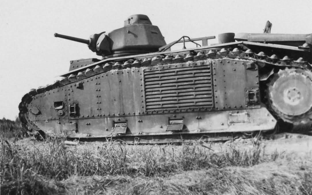 Char B1 bis tank side view