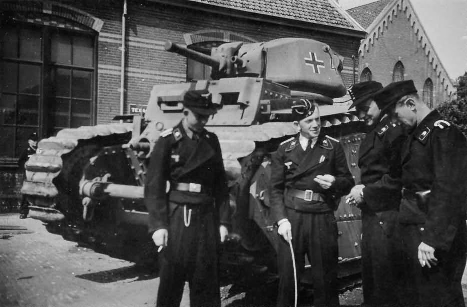 German Char B1 bis Panzerkampfwagen B2 740 (f) Flammpanzer
