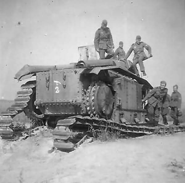 German soldiers examining knocked out Char B1 bis tank 2
