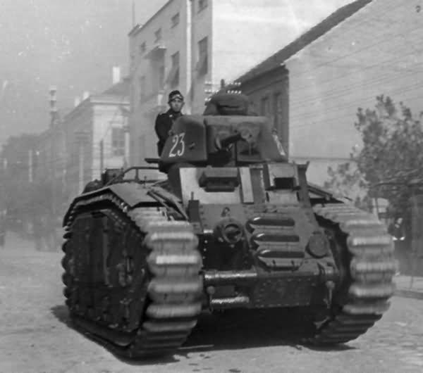 Flammpanzer Panzerkampfwagen B2 740(f) 23
