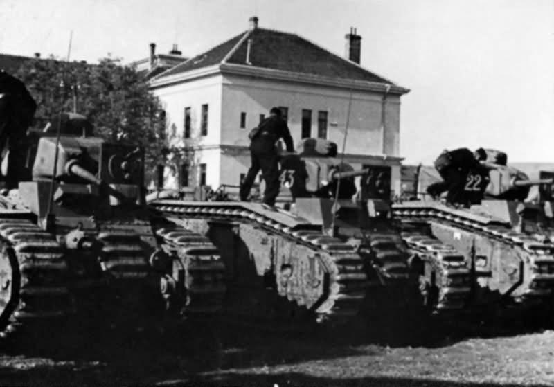 German Renault Char B1 bis tanks – Panzerkampfwagen B2 740 (f)