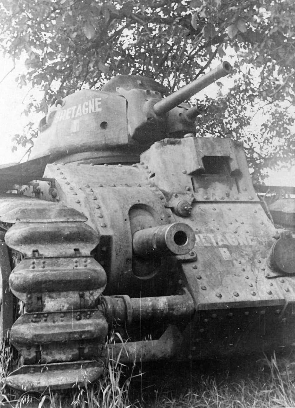 Tank Renault Char B1 number 114 named Bretagne of 511st RCC