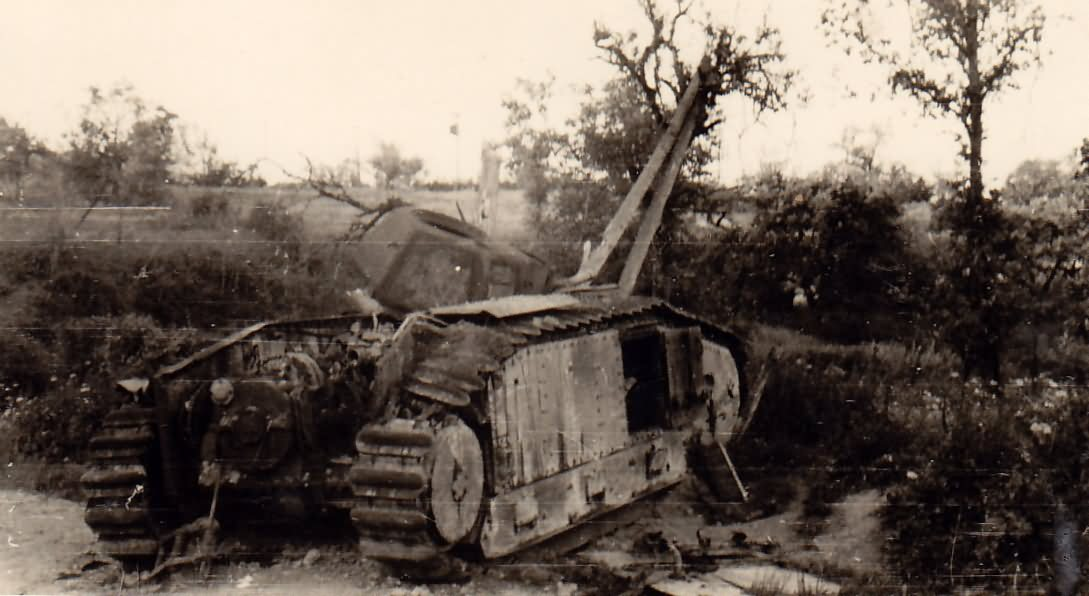 Char B1 bis destroyed by internal explosion 2