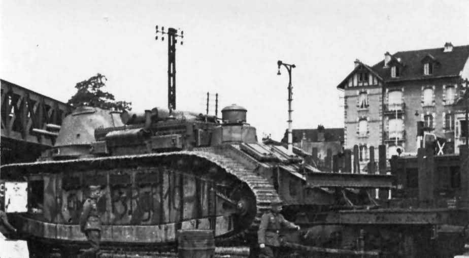 Captured french super heavy tank Char 2C 1940