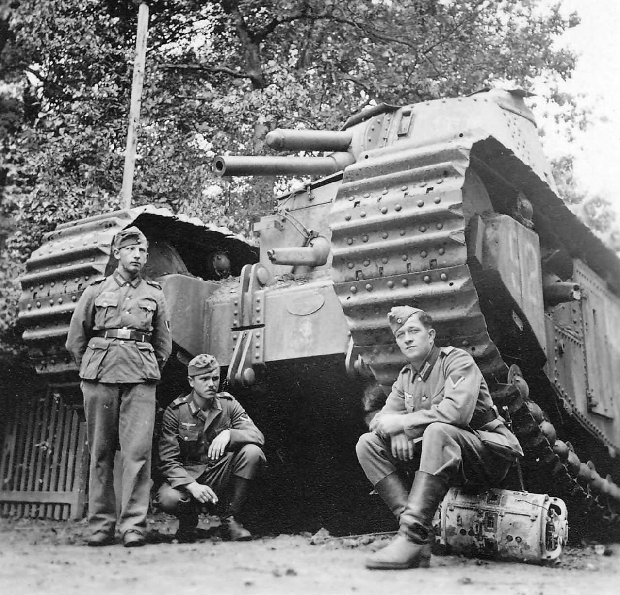 Char 2C FCM Number 92 of the 51e Bataillon de Chars Lourds, Pienne France 1940