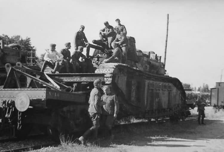 Char 2C captured by germans