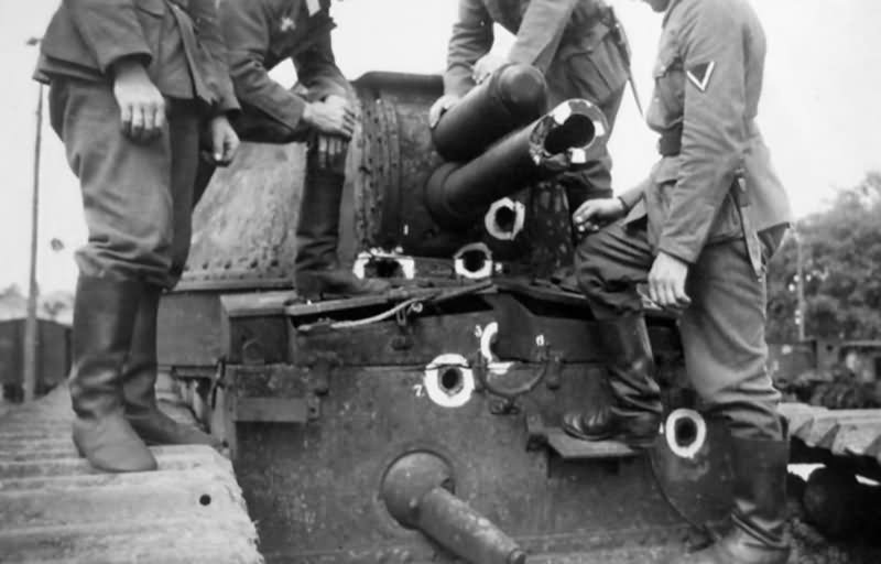 Char 2C damaged turret