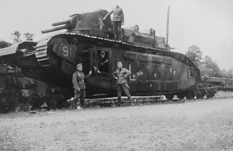 Char 2C number was transported aboard special low-loader waggon for carriage by rail