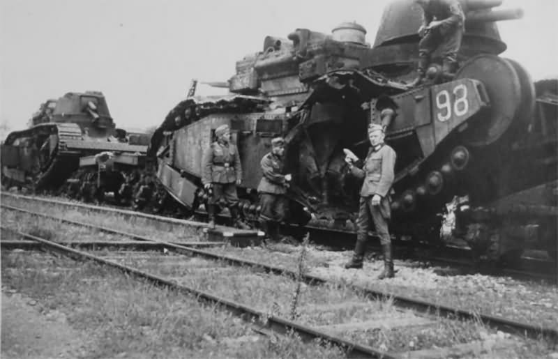 Char 2C number 98 photo. Meuse 1940