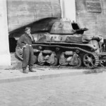 Renault R35 with trench crossing tail – France 1940