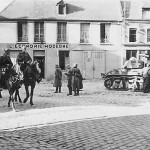wehrmacht cavalry pass french Renault R 35 tank