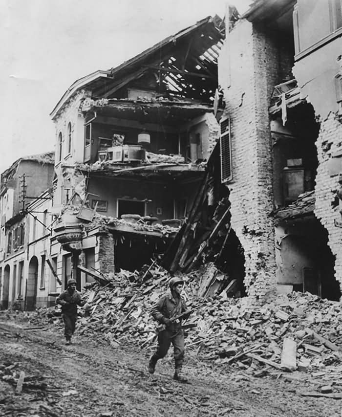 9th Army Soldiers In Linnich 27.12.1944 Germany