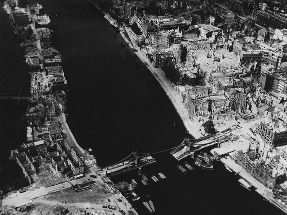 Aerial View Bremen Weserbrucke St. Martini Kirche 1945