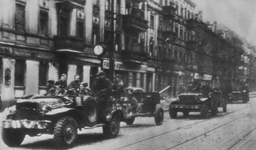 Berlin Soviet artillery US Dodge WC Trucks 4 May 1945