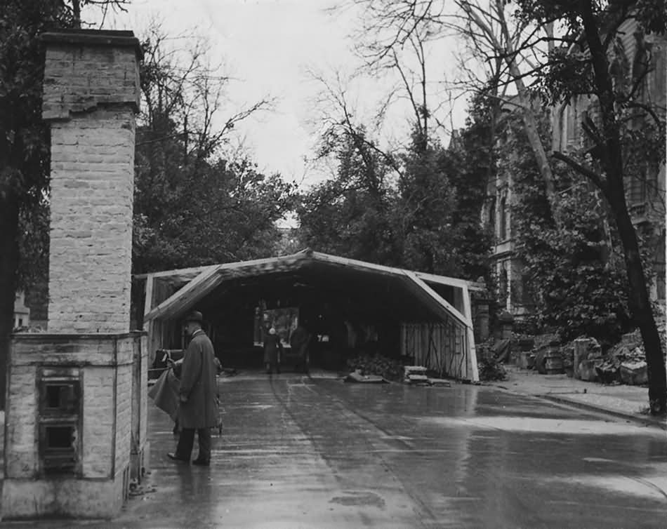 Berlin Tiergarten Strasse camouflaged airplane assembly hall 14 July 1945