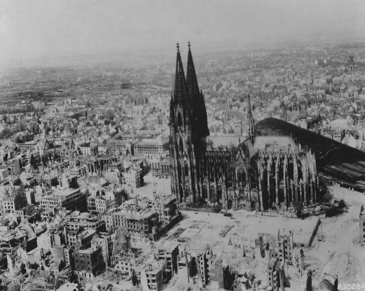 Bombed Köln (Cologne) 1945
