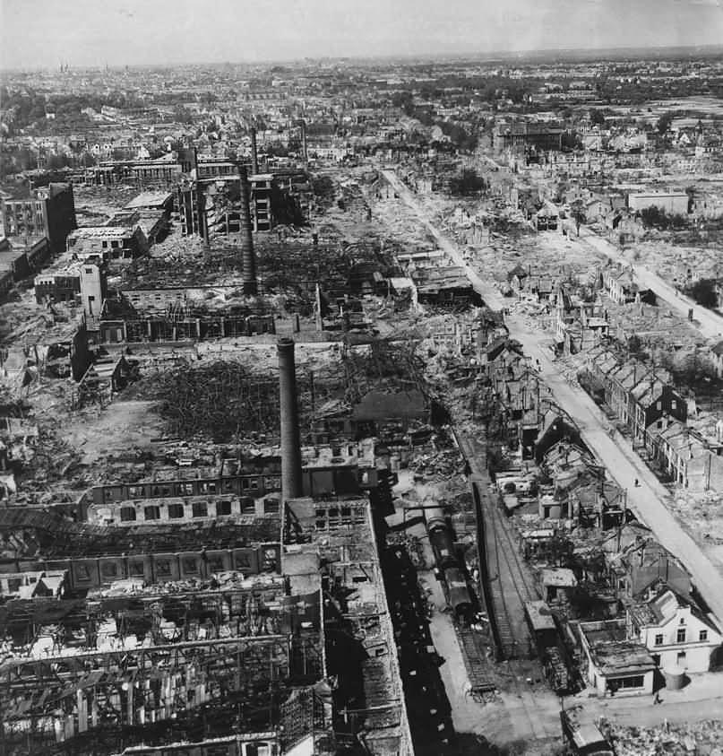 Bremen in ruins Hastedt Hemelingen Borgward Werke 1945