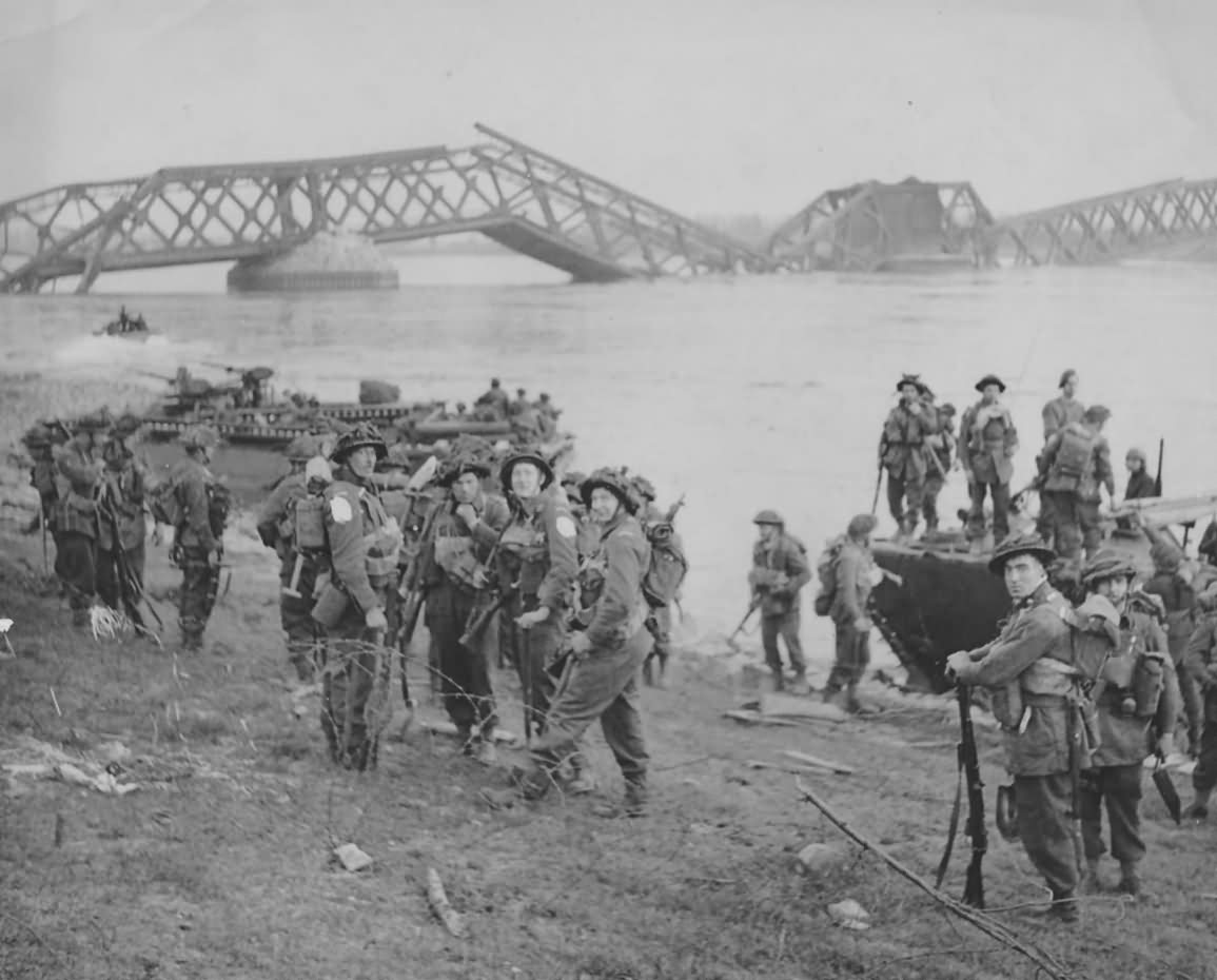 Commandos and Cheshire Regiment Cross The Rhine In LVT Buffaloes 1945