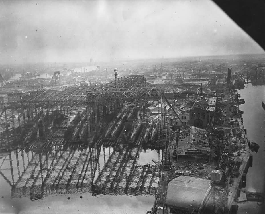 Hamburg Aerial View Blohm Voss U-Boot Werk Werft Hafen May 1945