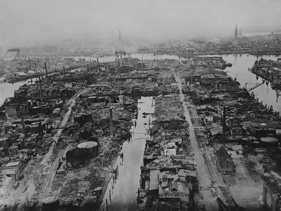 Hamburg Aerial View Hafen Worthdamm Michel St. Nikolai May 1945