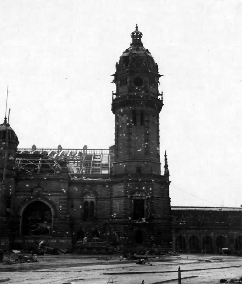 Haupt Bahnhof main railway station Koln 1945