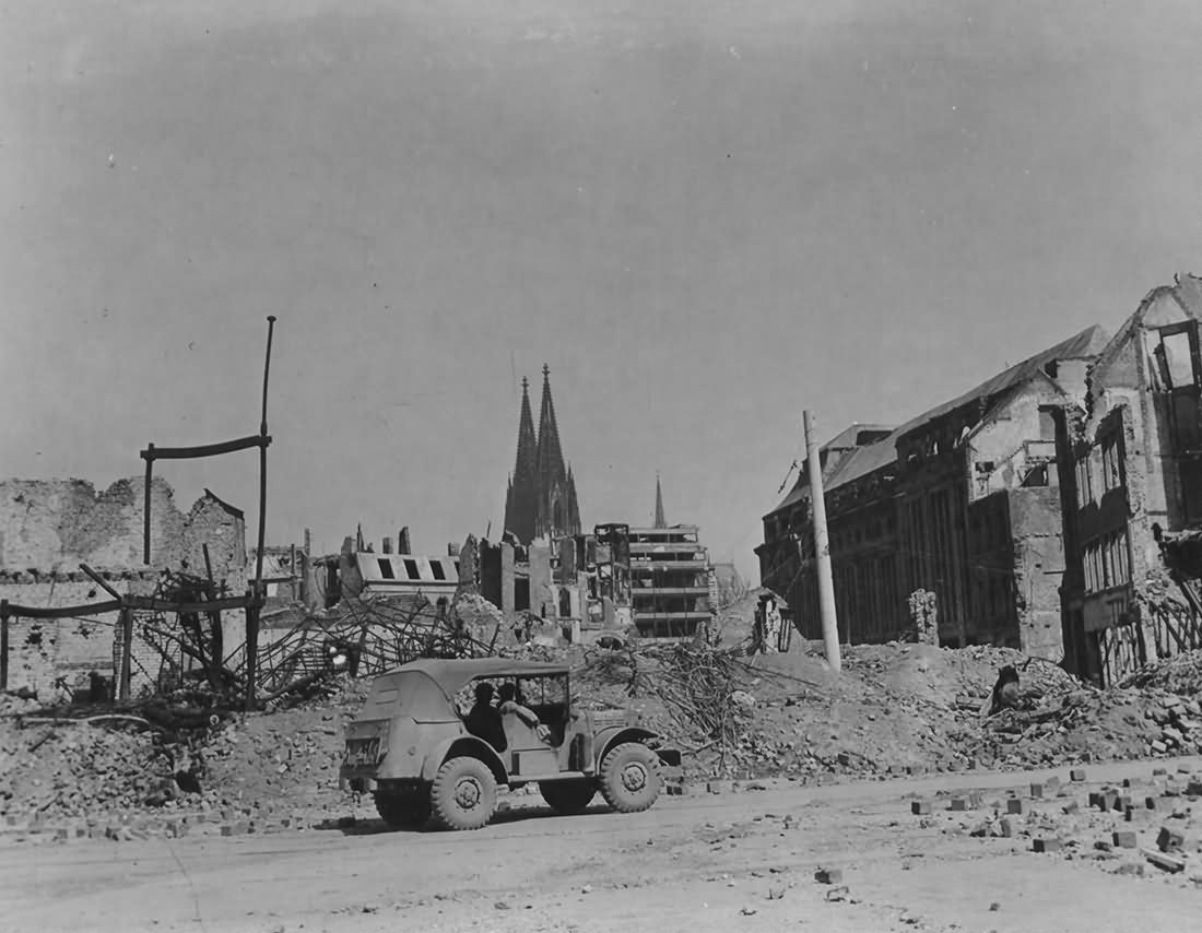 Ruins of Köln in 1945 2