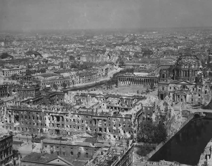 Ruins of Berlin Dom Stadtschloss Altes Museum 1945