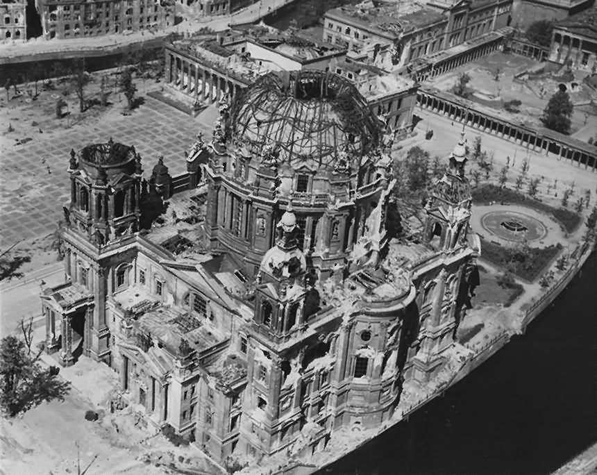 Ruins of Berlin Lustgarten Dom Altes Museum 1945