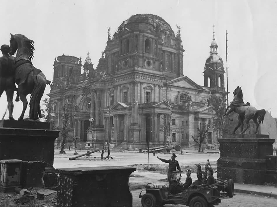 Ruins of Berliner Dom Stadtschloss Lustgarten Willys MB Jeep 1945