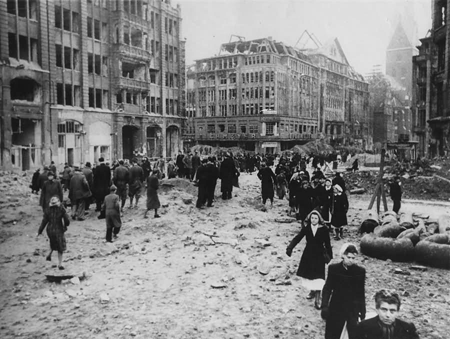 Ruins of Hamburg Pferdemarkt Monckebergstrasse St.Petri 1945