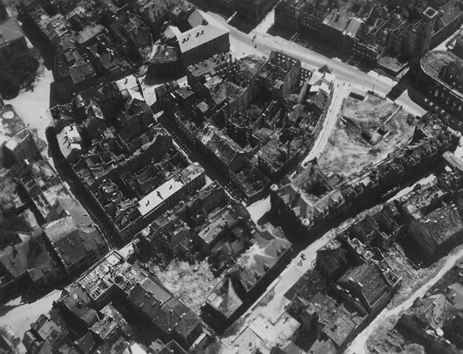 Ruins of München – Tal Heilig Geist Kirche Maderbraugasse 1945