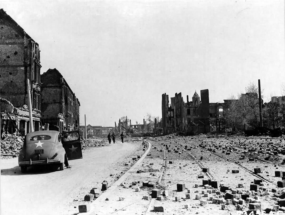 The ruins of Koln 1945