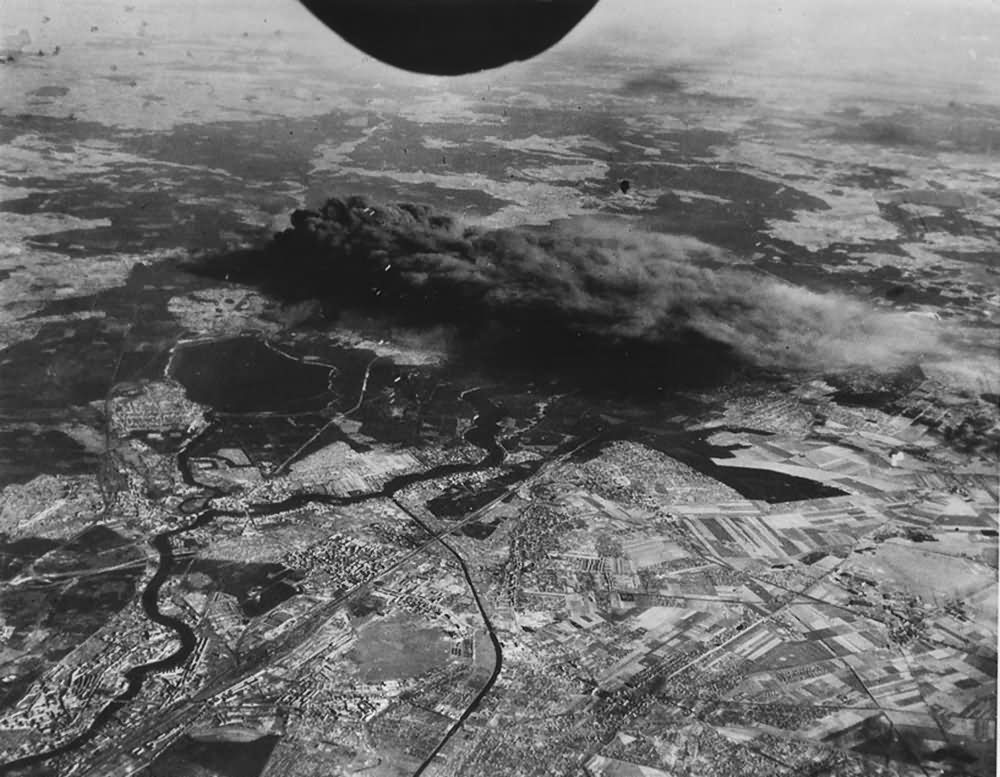 US Army Air Force B-24 Bombing of Berlin Kopenick Erkner Adlershof Muggelsee 1944