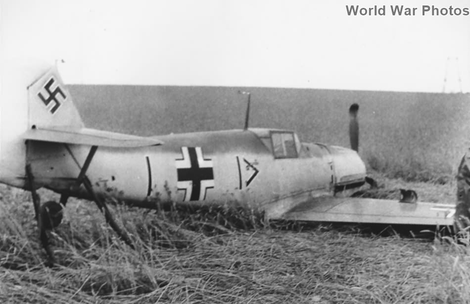 Bf 109E-1 III/JG 26 piloted by Oblt. Werner Bartels during Battle of Britain
