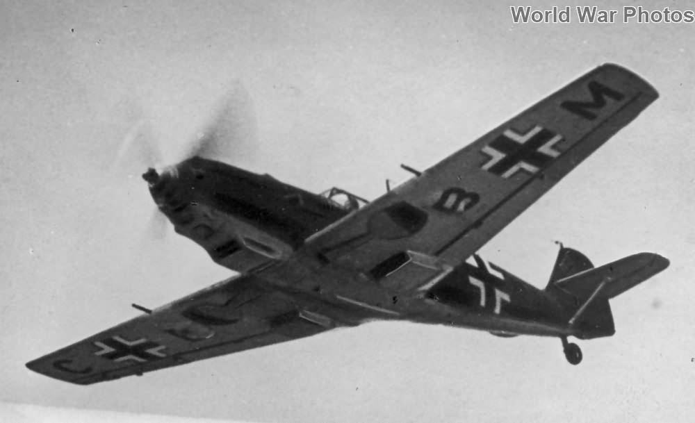 Bf 109E-3 in flight