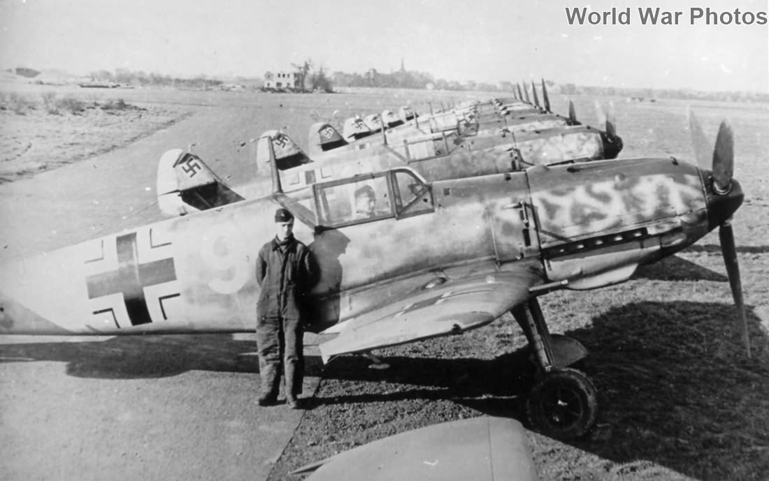 Bf 109E-4 fighters