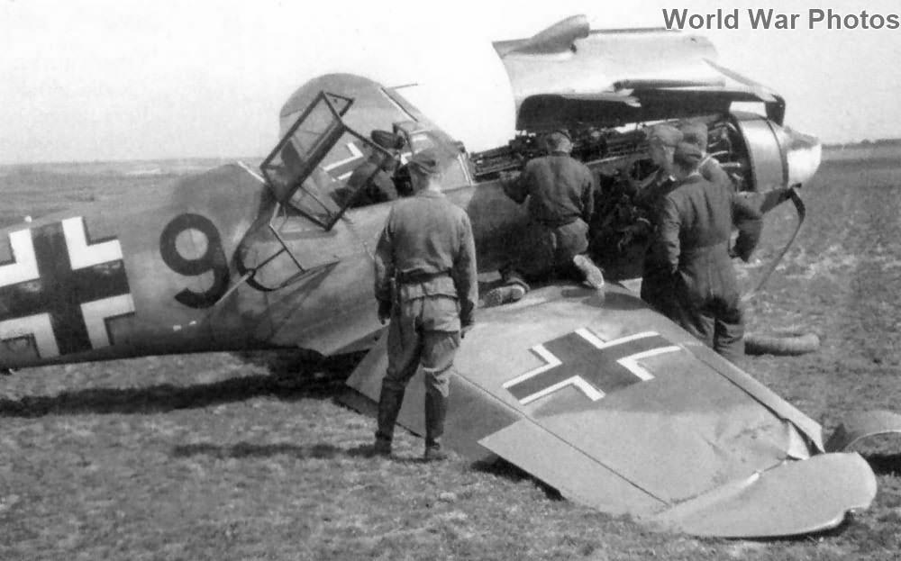 """Crashed Bf 109F """"9"""""""