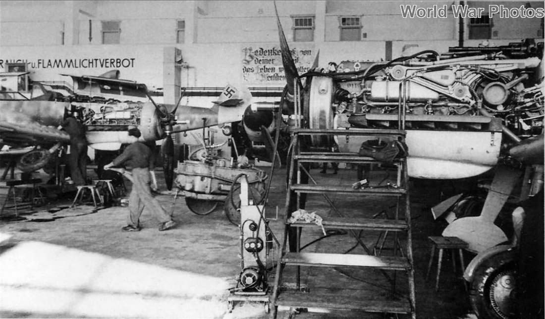 Bf 109G assembly line