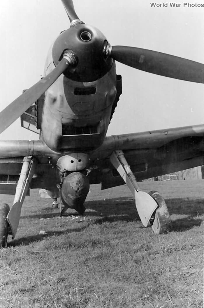 Me 109 E with SC 250 KG bomb, Pretsch April 1942