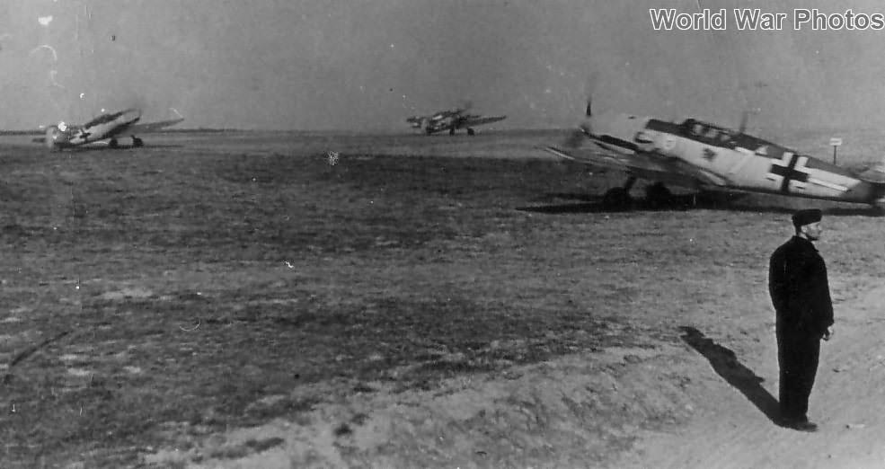 Me 109s from JG 3 Rotterdam, Summer 1940